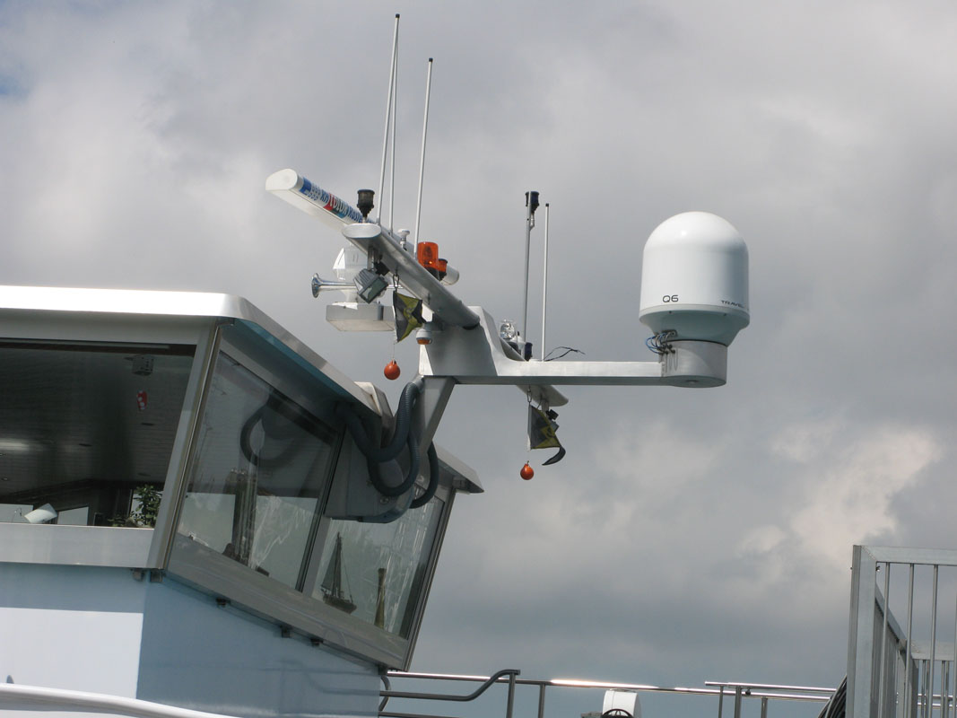 Blommaert - Roof radar masts for bulk carriers and inland vessels