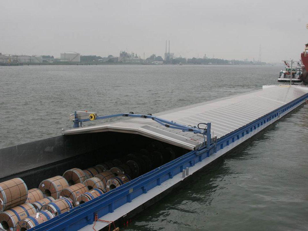 Blommaert - Frisian hatch covers for inland vessels
