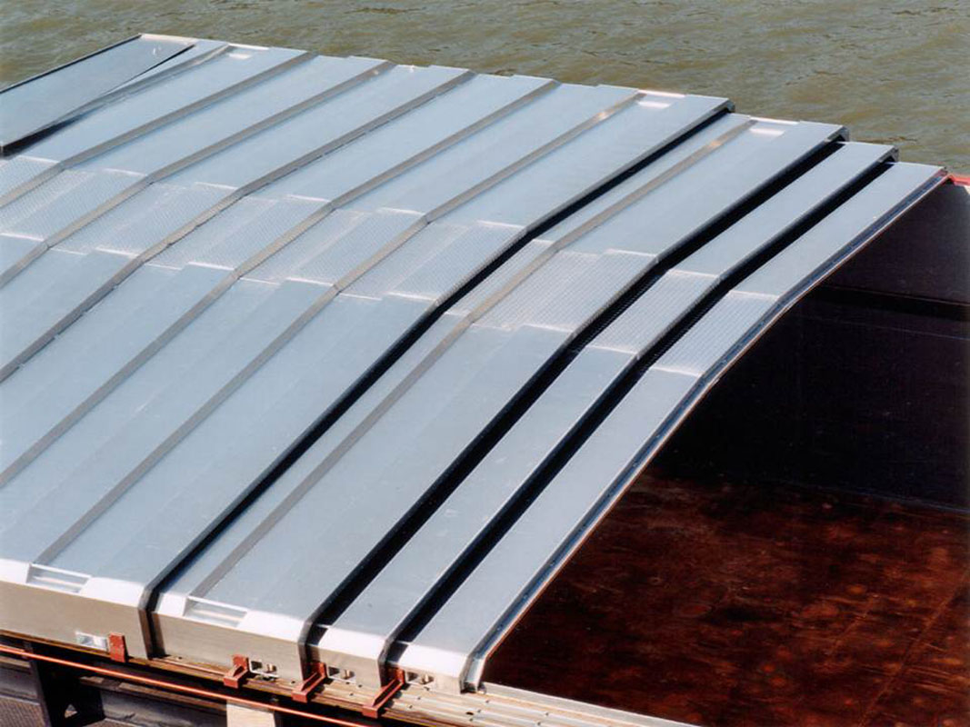 delta slide hatch covers for bulk carriers and inland vessels